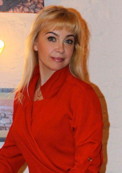 Tetiana, 50