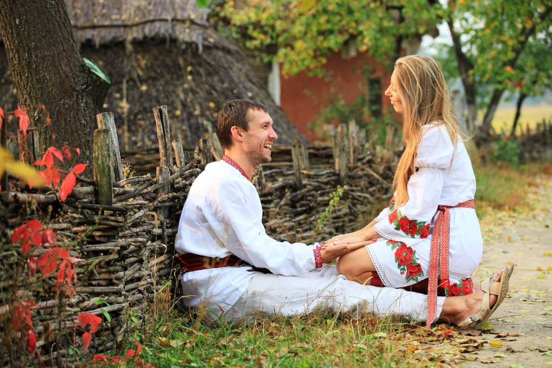 lovely couple in ukrainian style clothing pmmhmj compressed