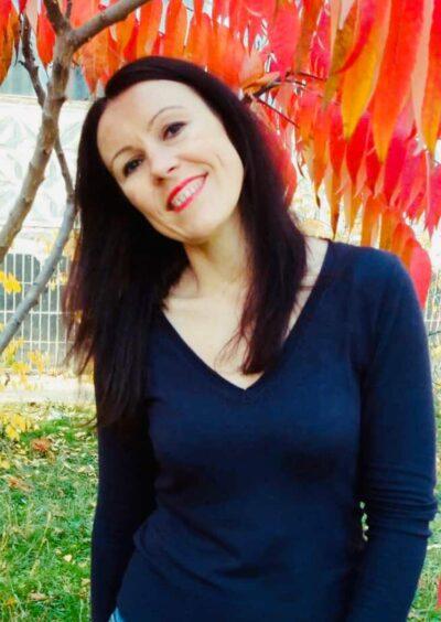 Elena, 37