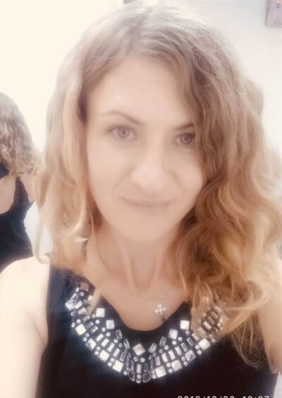Viktoria, 32