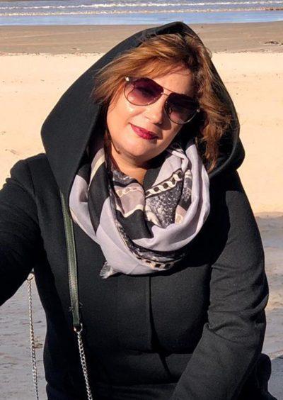 Zaneta, 38